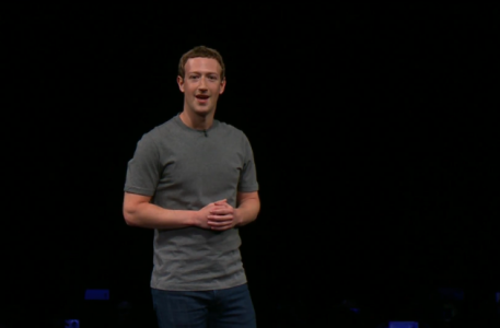 zuckerberg-facebook-samsung-gear-360-unpacked